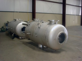 Stainless steel vessels for low temperature and cryogenics applications
